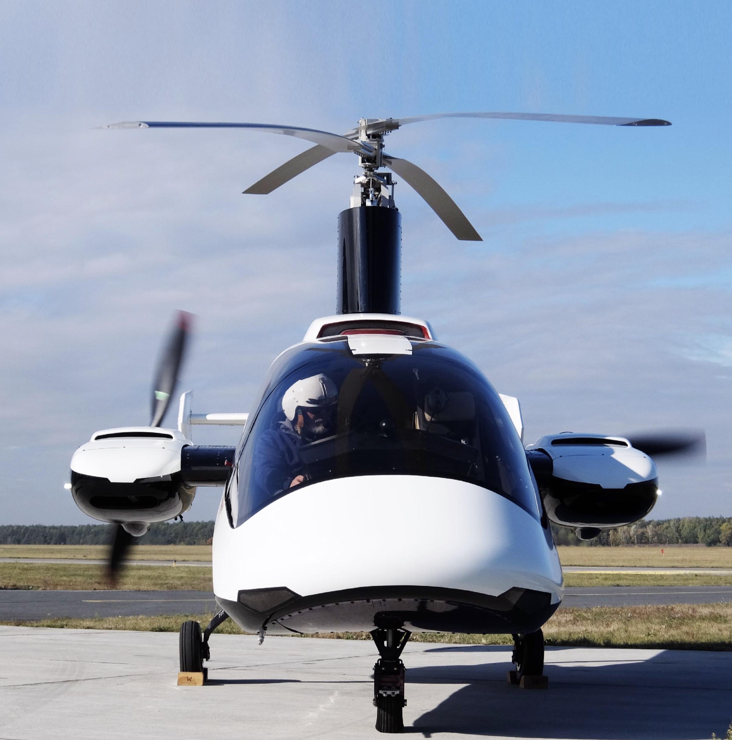 Fusioncopter, czylipierwszy 4 osobowy wiatrakowiec. - To pierwszy na świecie, tak zaawansowany technicznie wiropłat. Dwusilnikowa, czteroosobowa maszyna przeznaczona na rynek cywilny, oferująca niespotykane dotąd bezpieczeństwo, komfort i łatwość pilotażu.