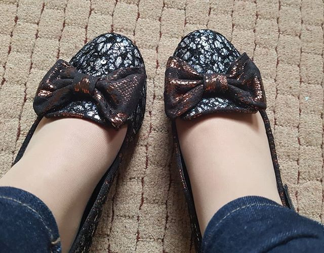 Day 196 of #365daysofic #365daysofirregularchoice and it's more Halloween shoes. Inch Wincy today. These are so sparkly and the spiders are the finishing touch 💕🎃 #icshoes #irregularchoicefan #irregularchoice #shoesaddict #iloveirregularchoice #shoeobsession #alwaysbeyourself #beingyourself #over40 #styleover40 #over40fashion #styleoverforty #confidenceisbeauty #quirkyfashion #quirkystyle #uniquelyme #shoelove #teachershoes #embraceyourcurves #disneyfashion #stayhappy #shoestobehappy #feelgoodfashion #teacherlife #teachersbelike #shoeoftheday #365daysofirregularchoice #shoequeen