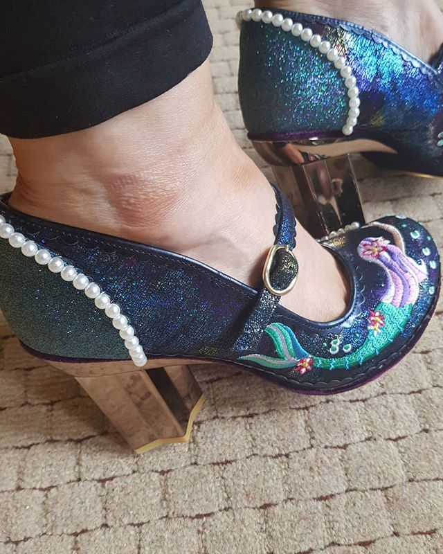 Day 200 of #365daysofic #365daysofirregularchoice. Looking back today I discovered I had put 1 pair up for 2 different days and I discovered that these Mer Magic weren't up at all. I love these shoes!! They're my colours and have pearls and sparkles!! And I almost left them out!! #irregularchoiceshoes #loveirregularchoice #shoeart #shoeaddiction #beyourself #justbeyourself #over40andfabulous #fashionover40 #over40mom #ageisjustanumber #heelslover #confidenceiscontagious #quirkyqueen #quirky #stayquirky #shoesofinstagram #disneystyle #stayhappyalways #feelgood #glamorouswomen #bedifferentbeyou #teacherstyle #disneyteacher #quirkyandcurvy #teacherootd #statementshoes #shoegameonpoint