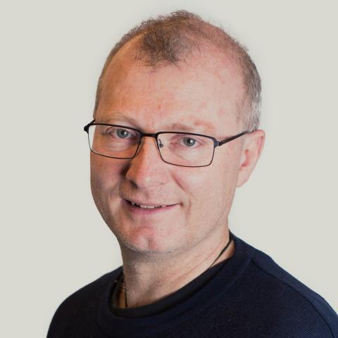 Carlo Aall - Professor, leiar for arbeidspakke 1.EpostPersonleg nettside
