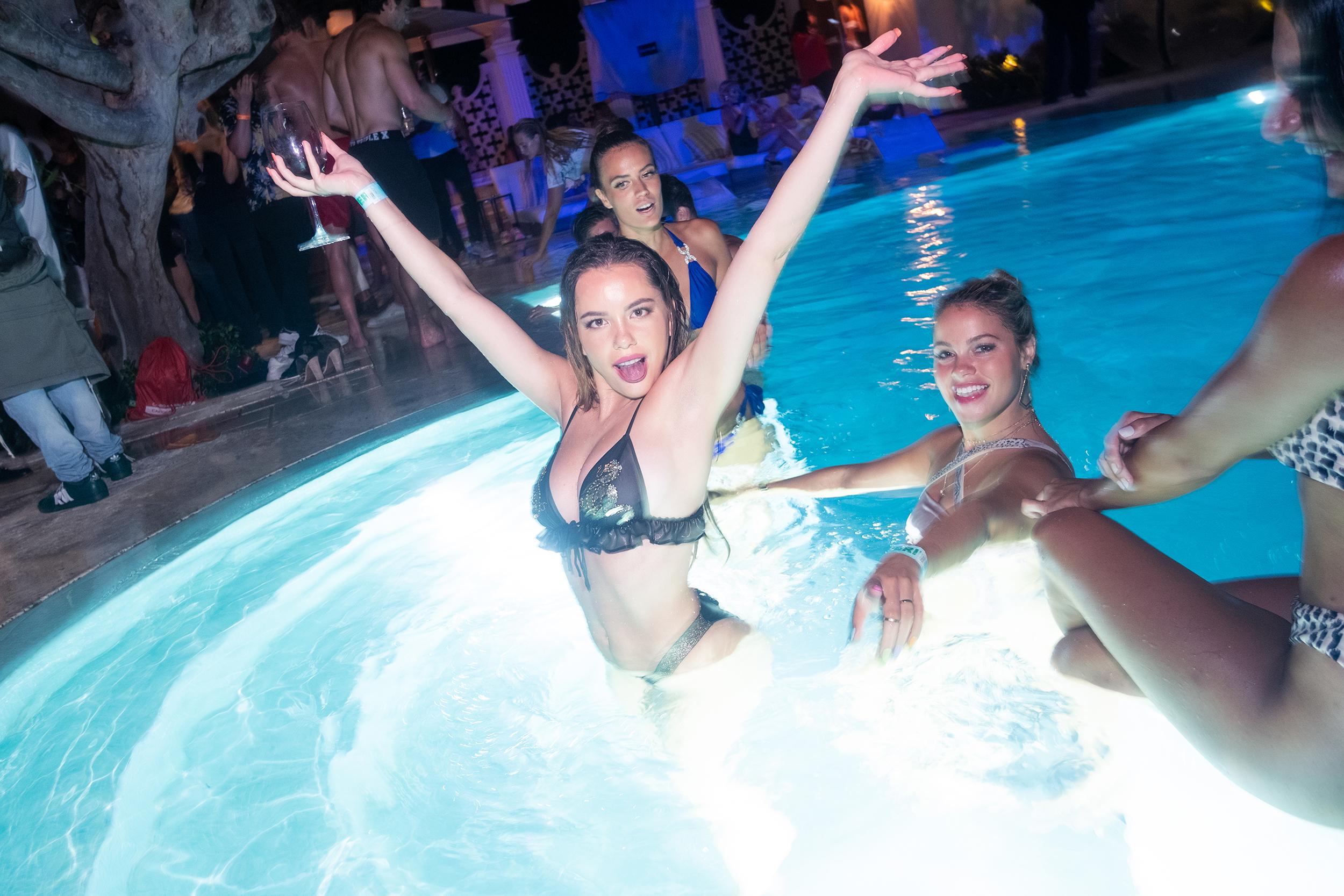 Miami_Swimweek_Big_House_Party_Fault_Mag-39.jpg