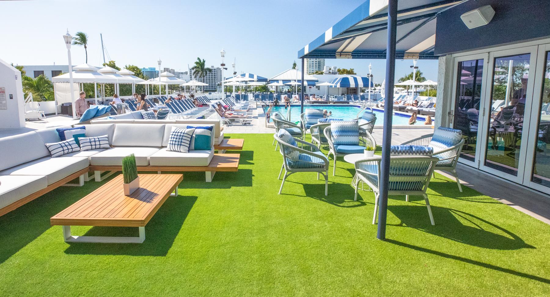 High Tide Lounge Area (1).jpg