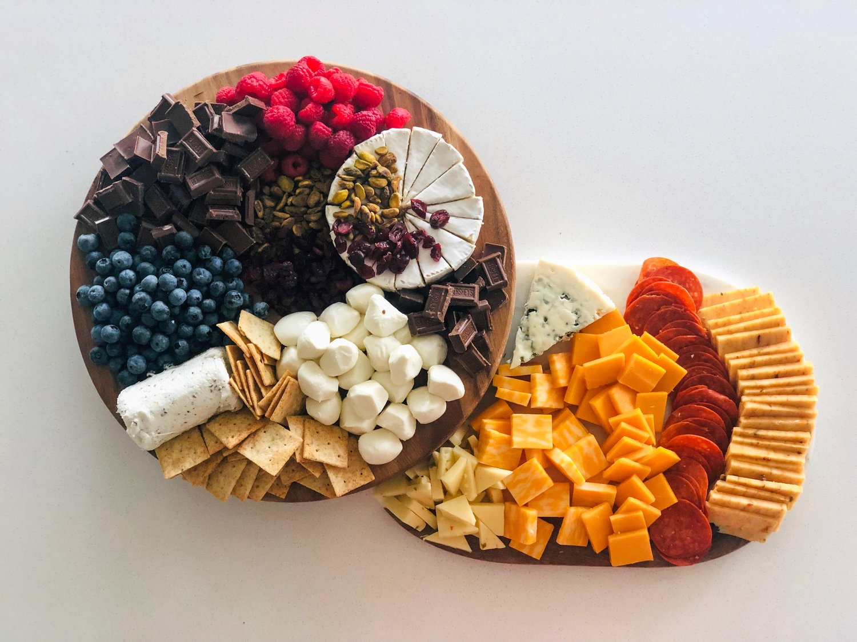 Emma Taryn Jones Tarynintotravel Bachelorette Snack Board