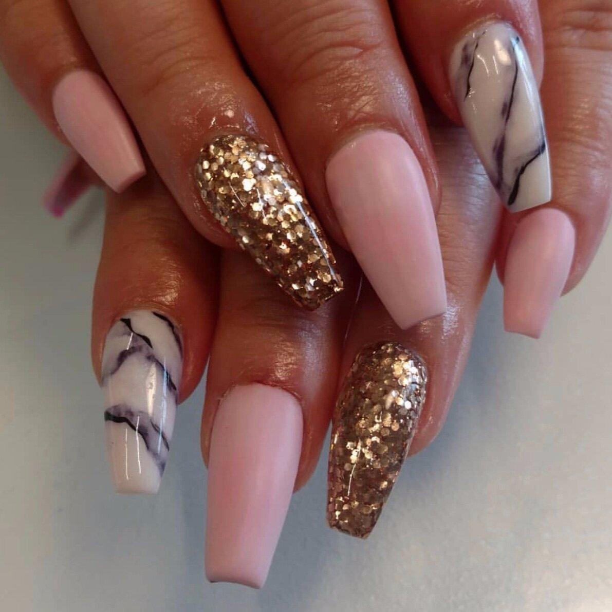 Nails by Ana Lara