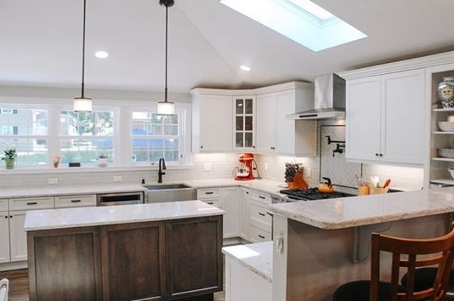 Fall is in the air in this beautiful kitchen by @Mchomeimprovements