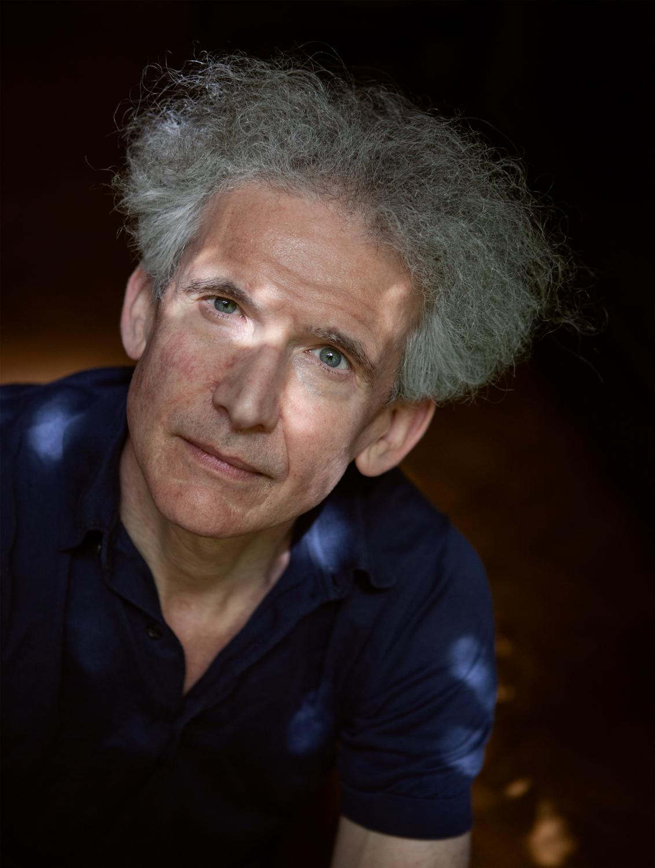 Writer Nachoem Wijnberg   for Het Parool