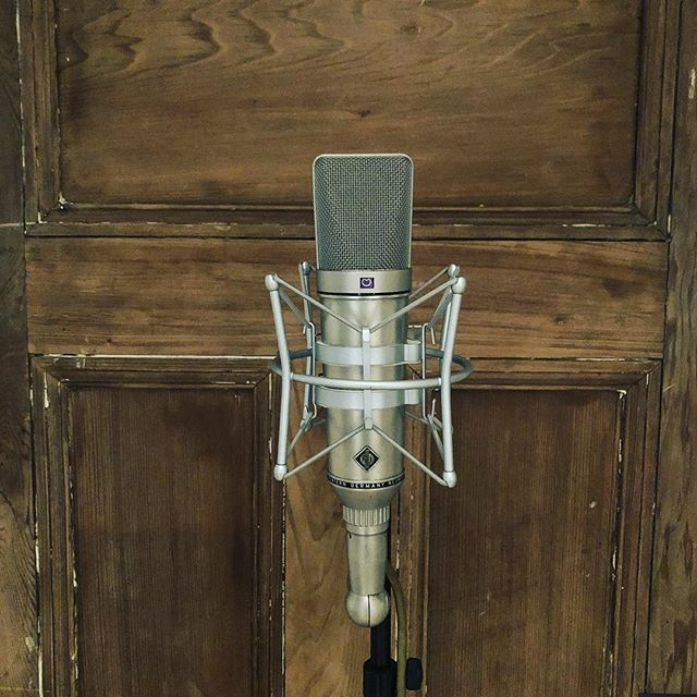 So Excited to add this one to the collection!!!!!!!!!! #neumannu67 #vintagemic #recordingstudio #neumann