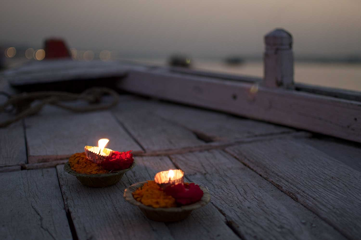 w-inglis-candle-offerings-ganges-river-boat.jpg