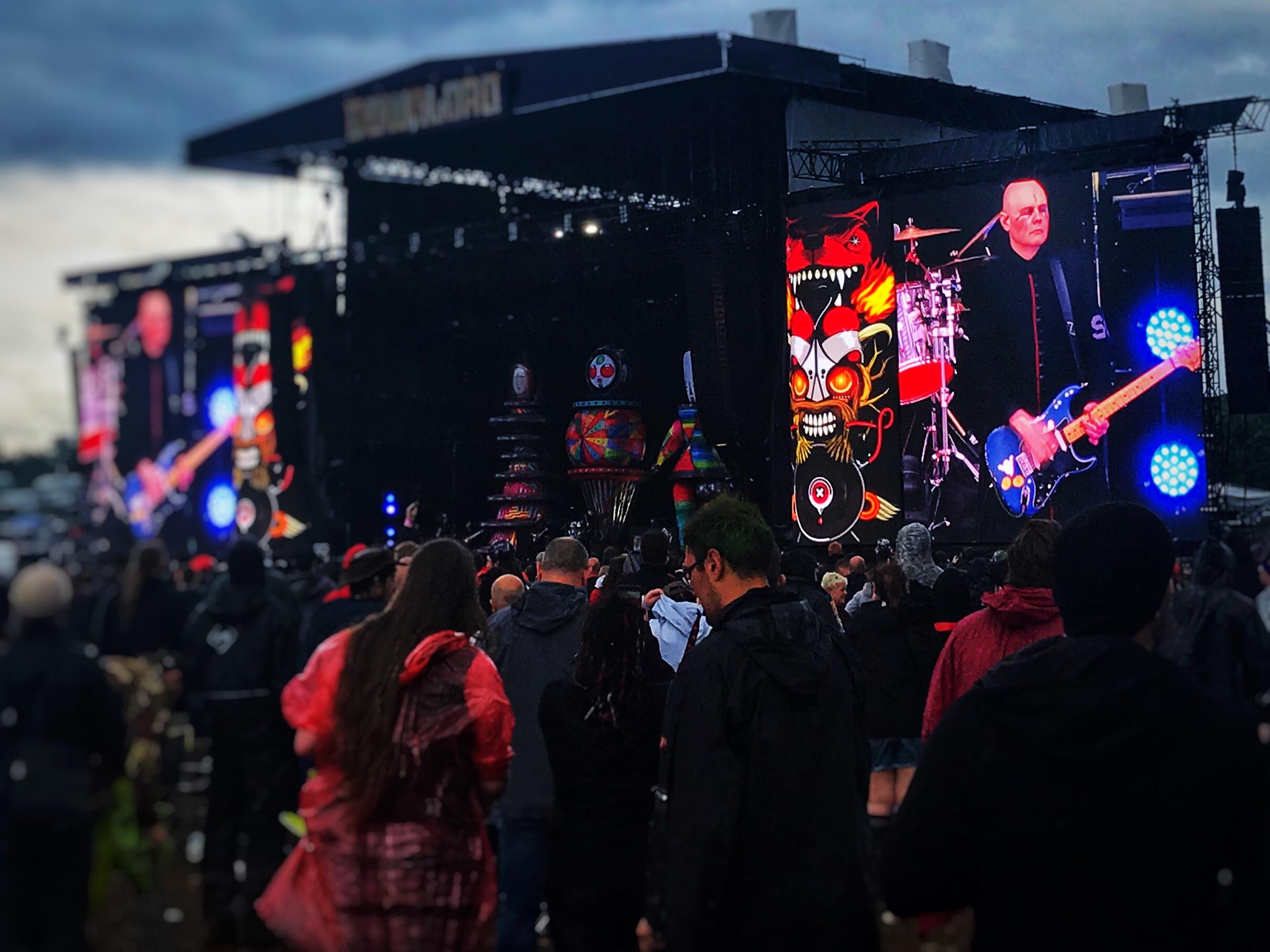 Smashing Pumpkins - Billy Corgan delivering the goods