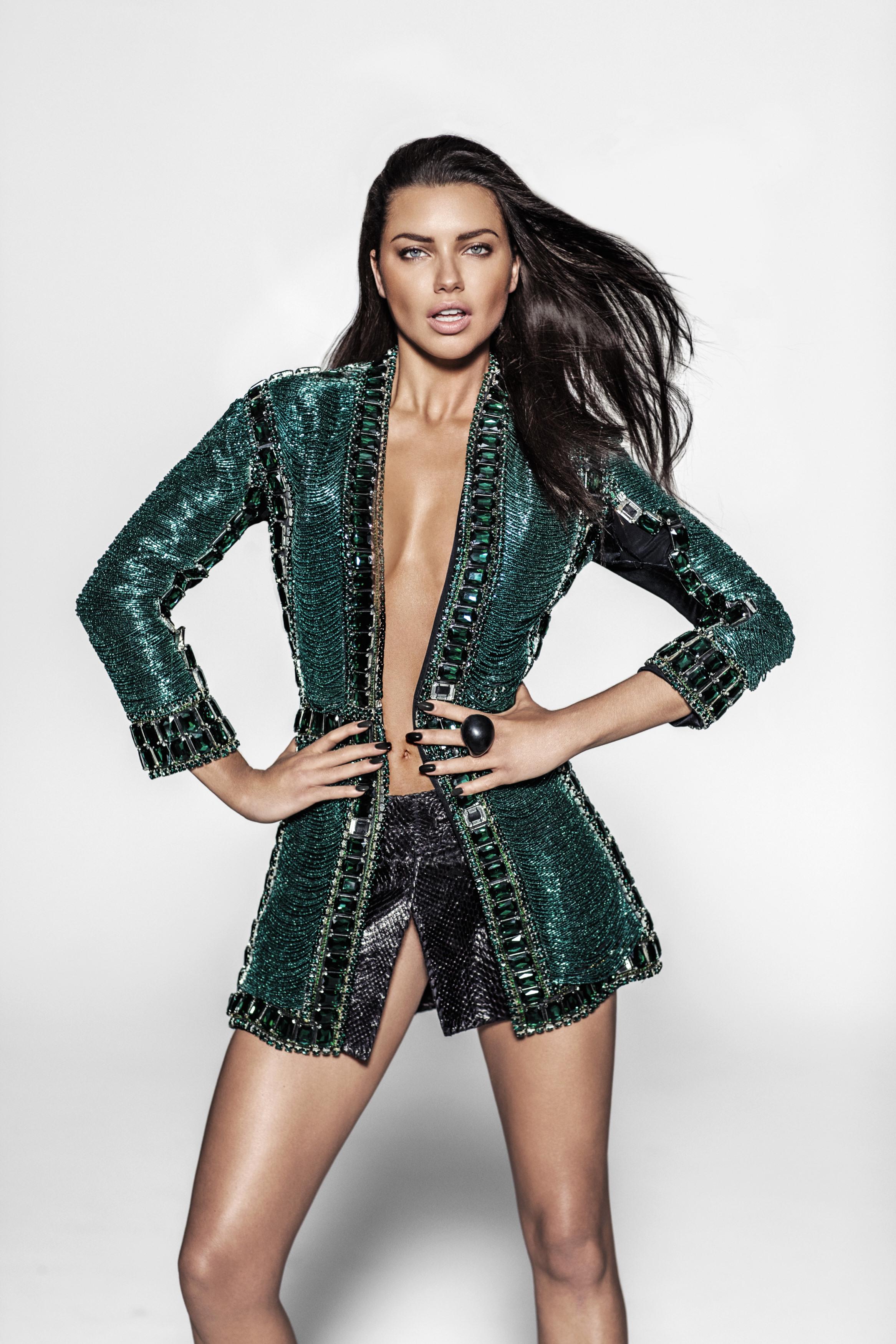 06_Vogue_Mexico_Adriana_322_196clr_v4.jpg