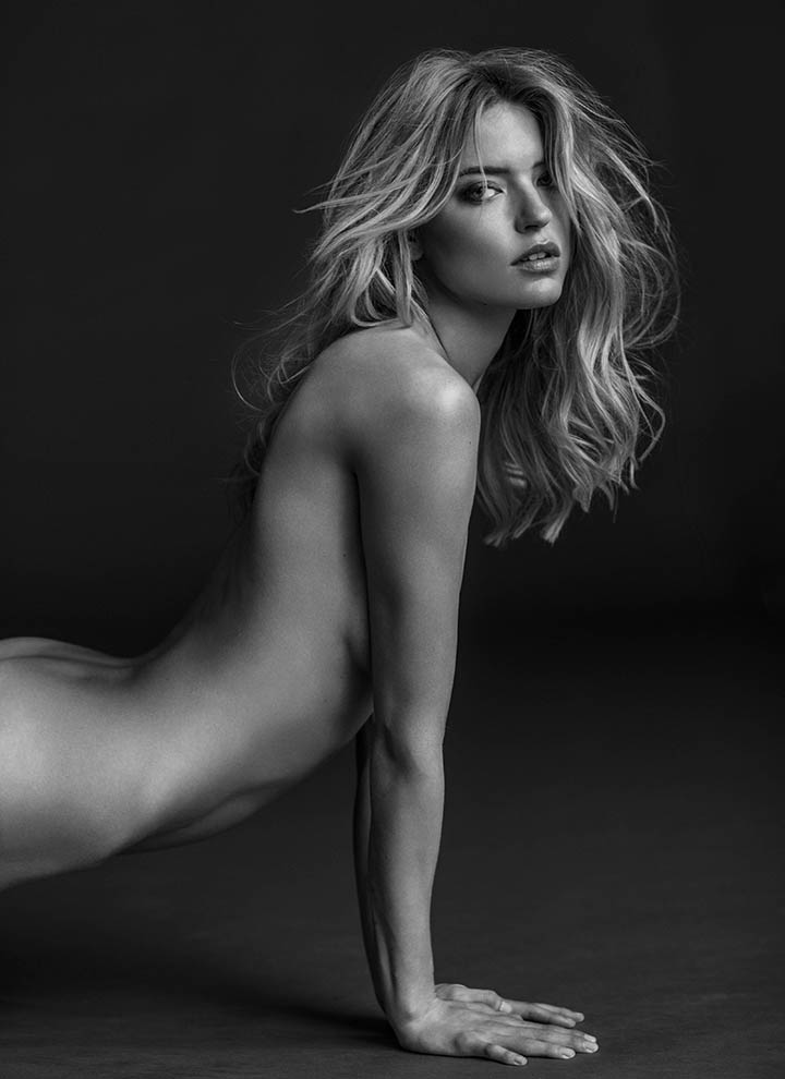 01_martha_hunt_521_BW_v3.jpg