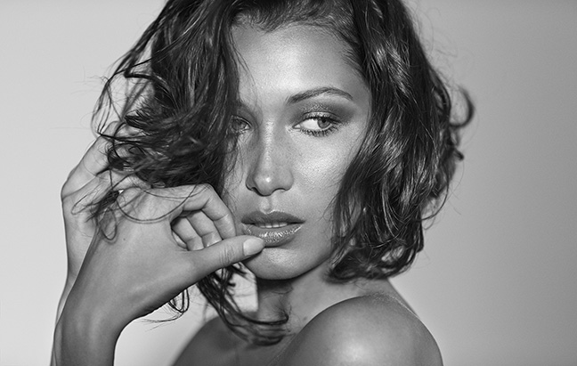 01_bella_hadid_angels2_194_109670_RT3_v1_917.jpg