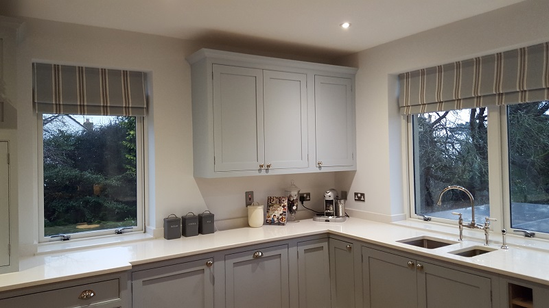 Smart kitchen roman blinds in Romo -