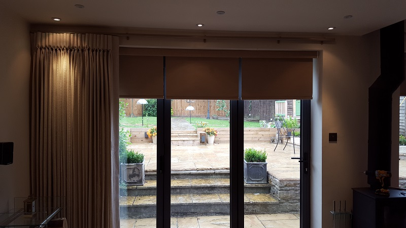 Lovely goblet pleated curtains with matching blinds -