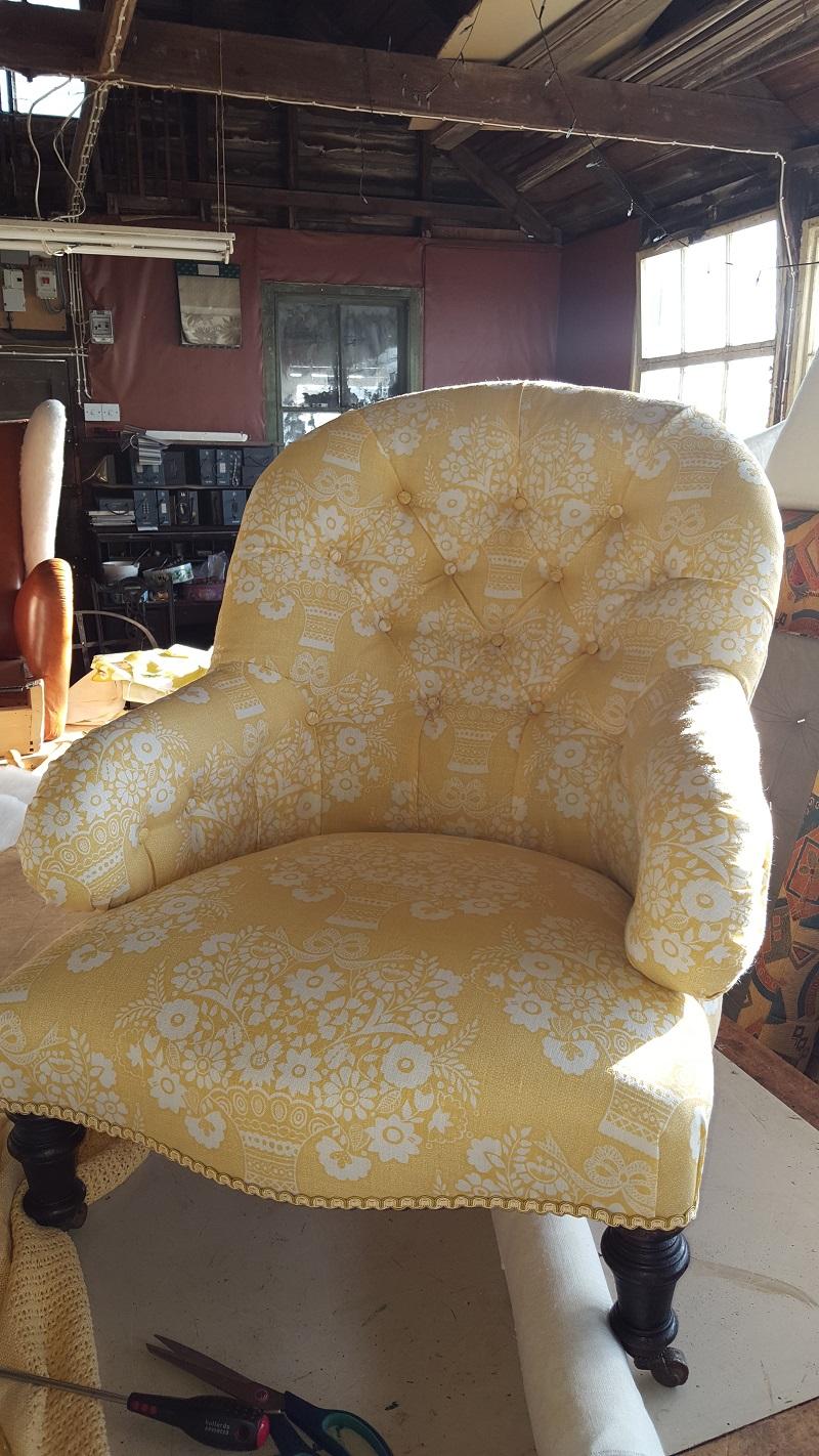 Pretty button back chair -