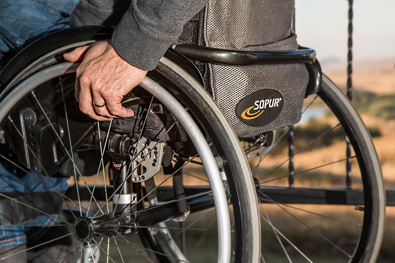 Verifica si el lugar tiene acceso para discapacitados