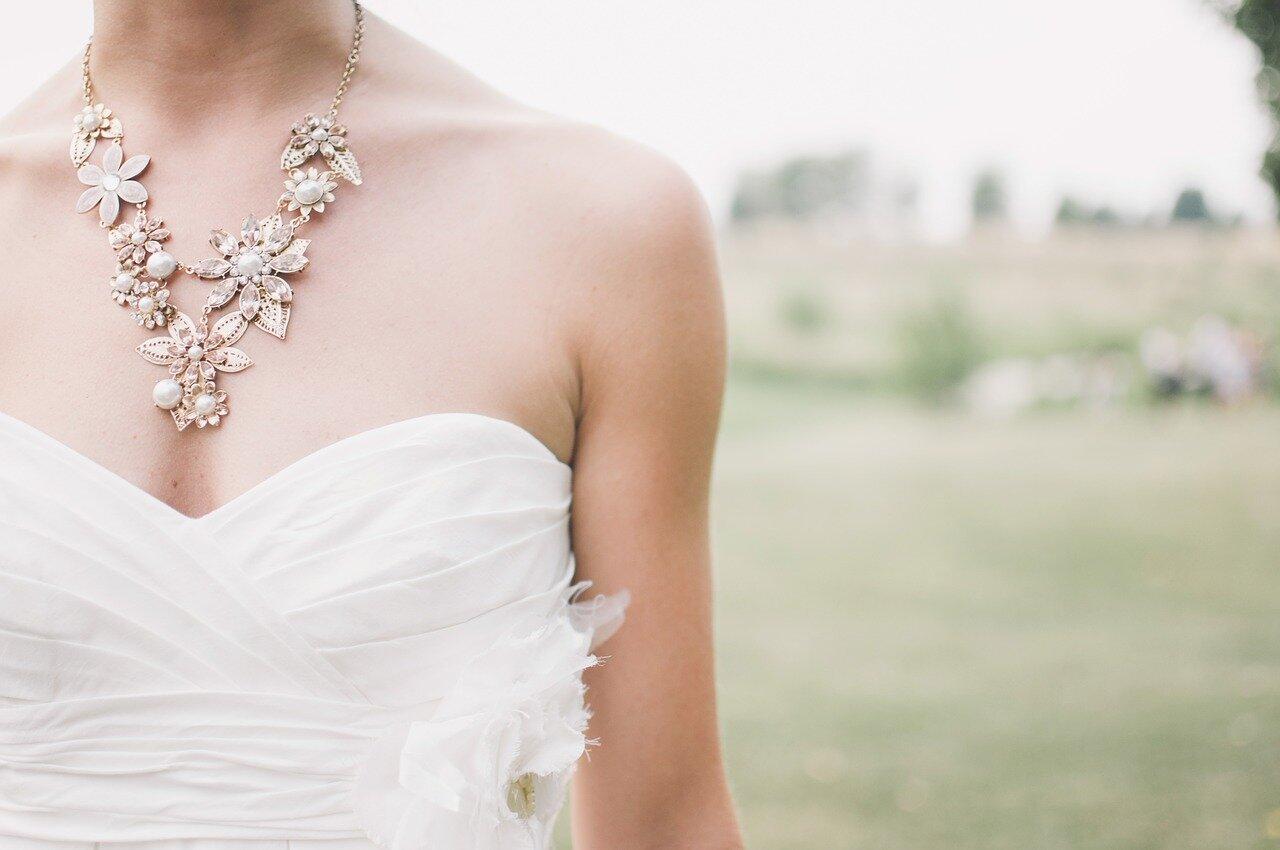 Piensa en los accesorios para tu vestido de novia