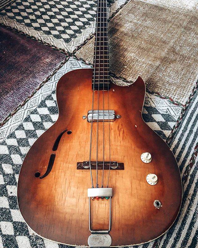 ✨REUNITED✨ with my 1966 Kraftsman bass! It's such a special instrument... ❤️ That's the one I was playing on the streets of Stockholm when my future husband walked by, fell in love and changed my life... magic ✨
