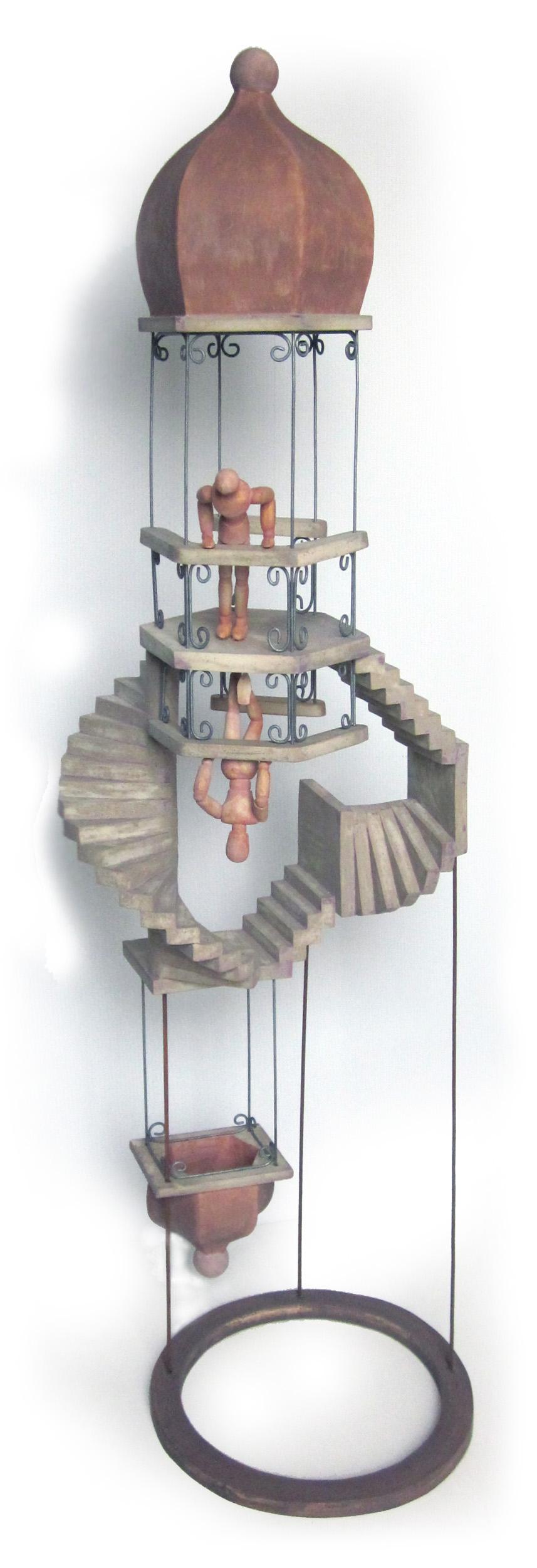 Mon parcours - A DEUX PAS DES BANCS DE L'ÉCOLEMon premier contact avec la céramique remonte à mes douze ans. Je participe à l'atelier de l'école tous les mercredis après-midi pendant deux ans. Cette expérience, à priori anecdotique, oriente mon choix d'études dans le domaine des arts plastiques.En 1983, je termine mes études à l'Institut des Arts Décoratifs et Industriels de Liège avec le premier prix en Arts graphiques.N'ayant pas l'opportunité de travailler dans le graphisme, nécessité fait loi, j'accepte un emploi dans l'administration. Après quelques années dans cette fonction, j'éprouve un besoin d'activité artistique. Pour être tout à fait exact, je dois plutôt parler de pulsion que d'envie. C'est ainsi qu'en 1990 je pousse la porte de l'atelier de la Fontaine pour y apprendre les techniques de la céramique.DE L'ARTISTE A L'ARTISANL'activité principale de cet atelier est le tournage et je me sens assez rapidement limité par cette technique. Je désire sculpter et je demande à Jacques Eyen - potier responsable de l'atelier - comment m'y prendre. Il me répond : « Fais comme tu le sens ! ».C'est-ce que je fais. Bientôt, les horaires d'ouvertures de l'atelier ne me suffisent plus et je m'installe un atelier rudimentaire à domicile. Je continue à émailler et faire cuire mes pièces à l'atelier de la Fontaine, j'y prends également quelques conseils mais la sculpture, je l'apprends en autodidacte.J'ai l'occasion de présenter mes œuvres lors d'expositions, de concours ou dans des galeries d'art entre 1994 et 1997.C'est à cette époque que Jacques me propose de travailler avec lui. Ma création prend alors une tournure plus artisanale qu'artistique. Je conçois des objets utilitaires, Jacques se charge de la partie technique - tournage et plaques - et je m'occupe ensuite de la décoration, de la sculpture d'éléments ornementaux et de l'émaillage. Cette collaboration, bien qu'enrichissante d'un point de vue artistique ne l'est pas au niveau matériel et je me réoriente vers un