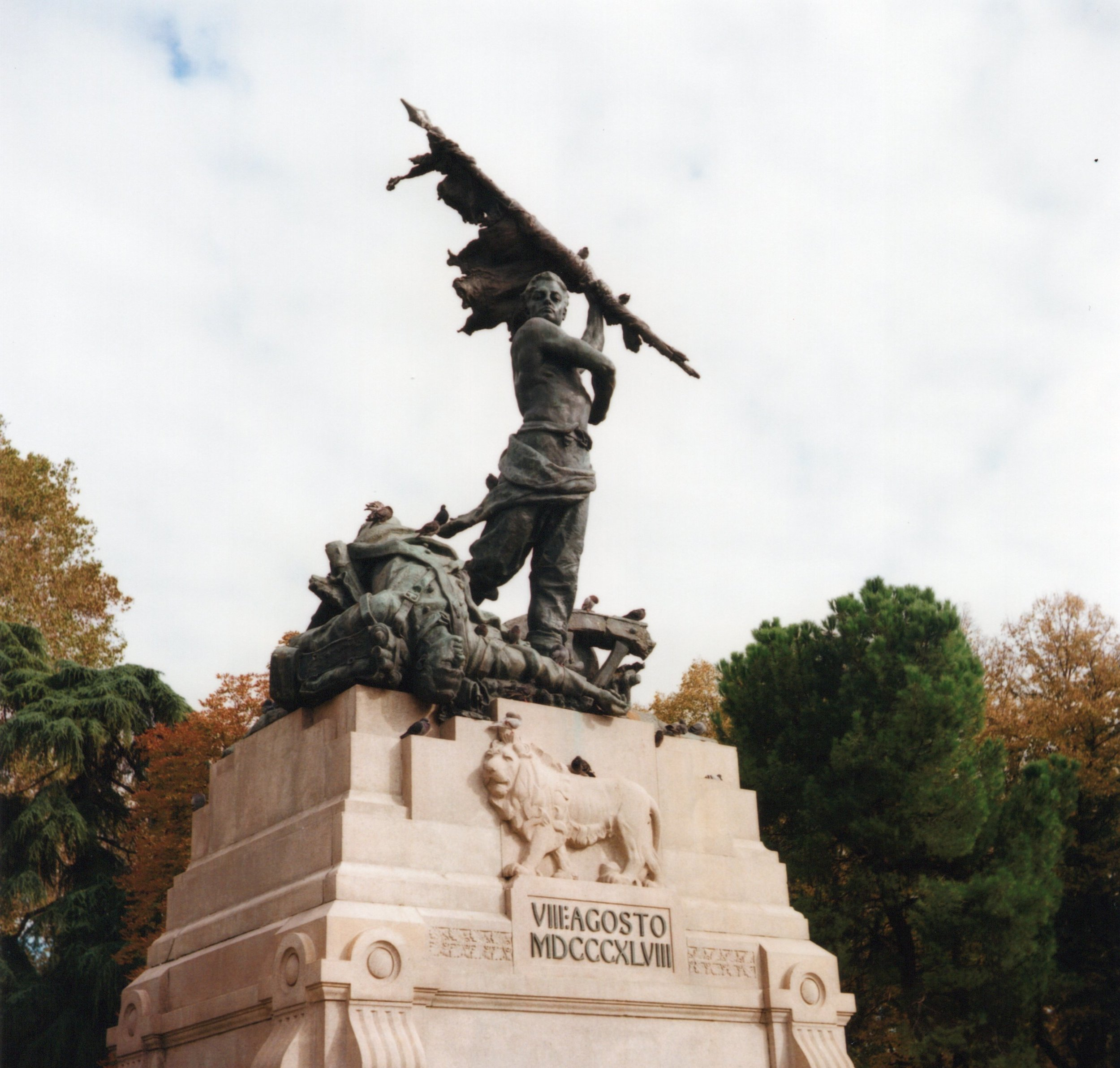 statue 3 f8 125th sec.jpg