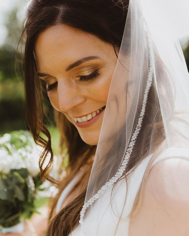 When your brides have the most beautiful dimples 😍🔥 I have a very very rare Saturday off today, a bit of brunch followed by ALOT of packing. I'm off to Malta on Tuesday for a destination wedding, followed by Portugal. So much to do, so little time to get everything sorted before I go!  GET ME TO THAT OCEAN 🌊  If you're planning a destination anywhere in Europe or a UK wedding for 2020/2021 please get in touch, I still have a few key dates available for next year and I would love to help you document your story 🖤