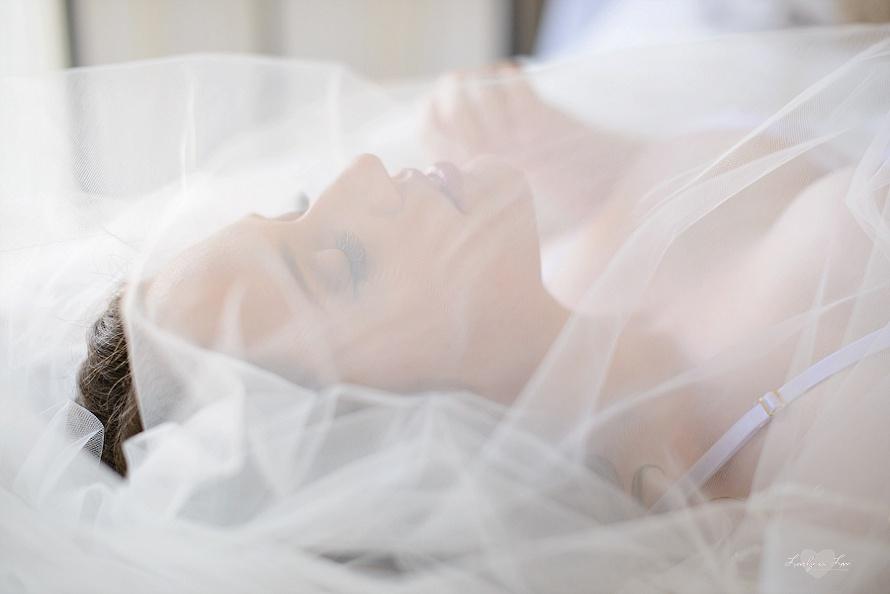 wedding-veil-boudoir-orlando-1.jpg