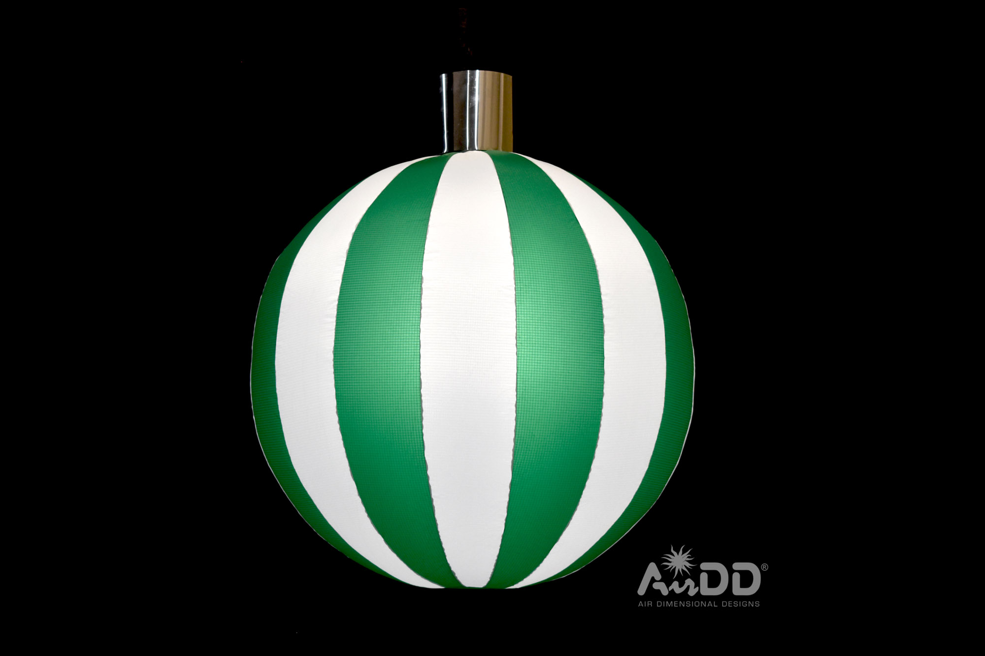 green-white-ornament-1-uai-2880x1920.jpg
