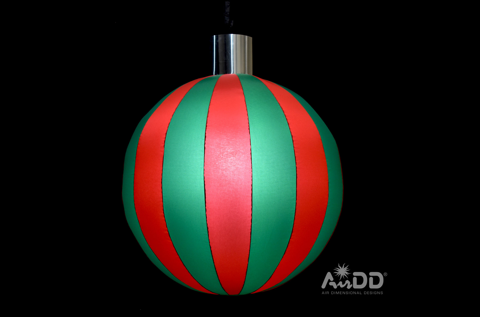 red-green-ornaments-1-uai-2880x1905.jpg