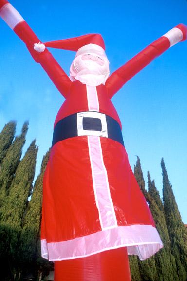 DI-Character-Santa-one-leg.jpg