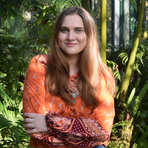 Jaclyn McCosker - Jaclyn is an Australian currently deployed in Micronesia as a gender development advisor. She'd describe herself as full-time feminist, part-time blogger. Her personal interests include meeting dogs on the street, satay tofu and wearing double denim.Based in: Federated States of Micronesia