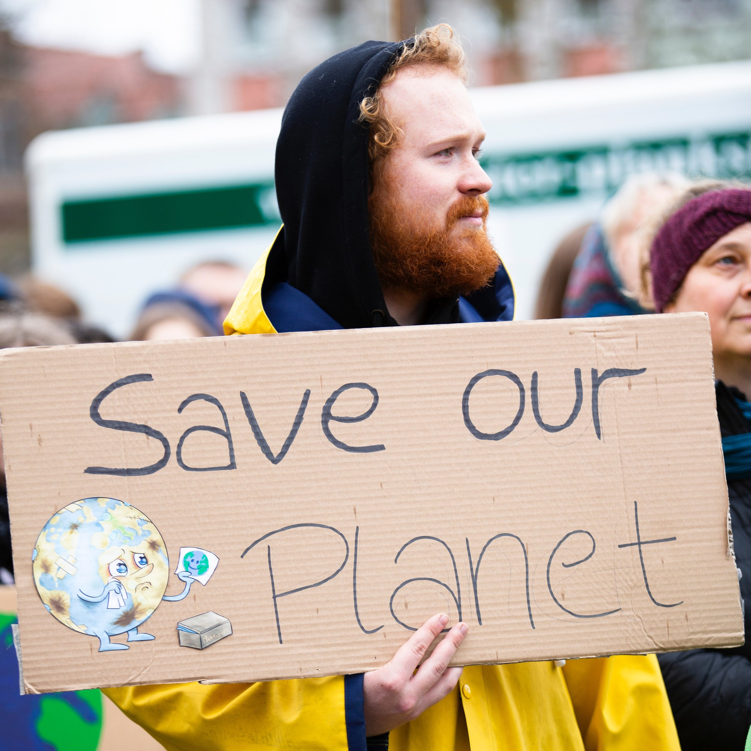 PLANET CHANGE - PlanetChange is a website that has the aim of helping people live a greener lifestyle by recommending environmentally friendly companies in all areas of life. Planetchange will thus make money and have a great impact on our planet.Based In: Belgium