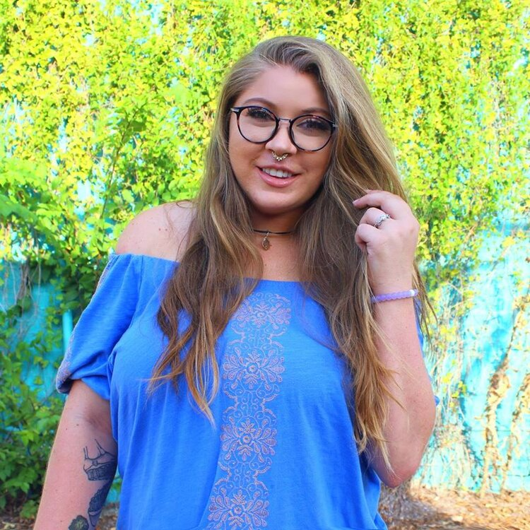 sustainably shelbi - My name is Shelbi, otherwise known as Shelbizleee on YouTube and my channel focuses on eco-friendly living. I have created a community of over 145,000 subscribers and created more than 300 videos dedicated to my lifestyle.Based In: USA