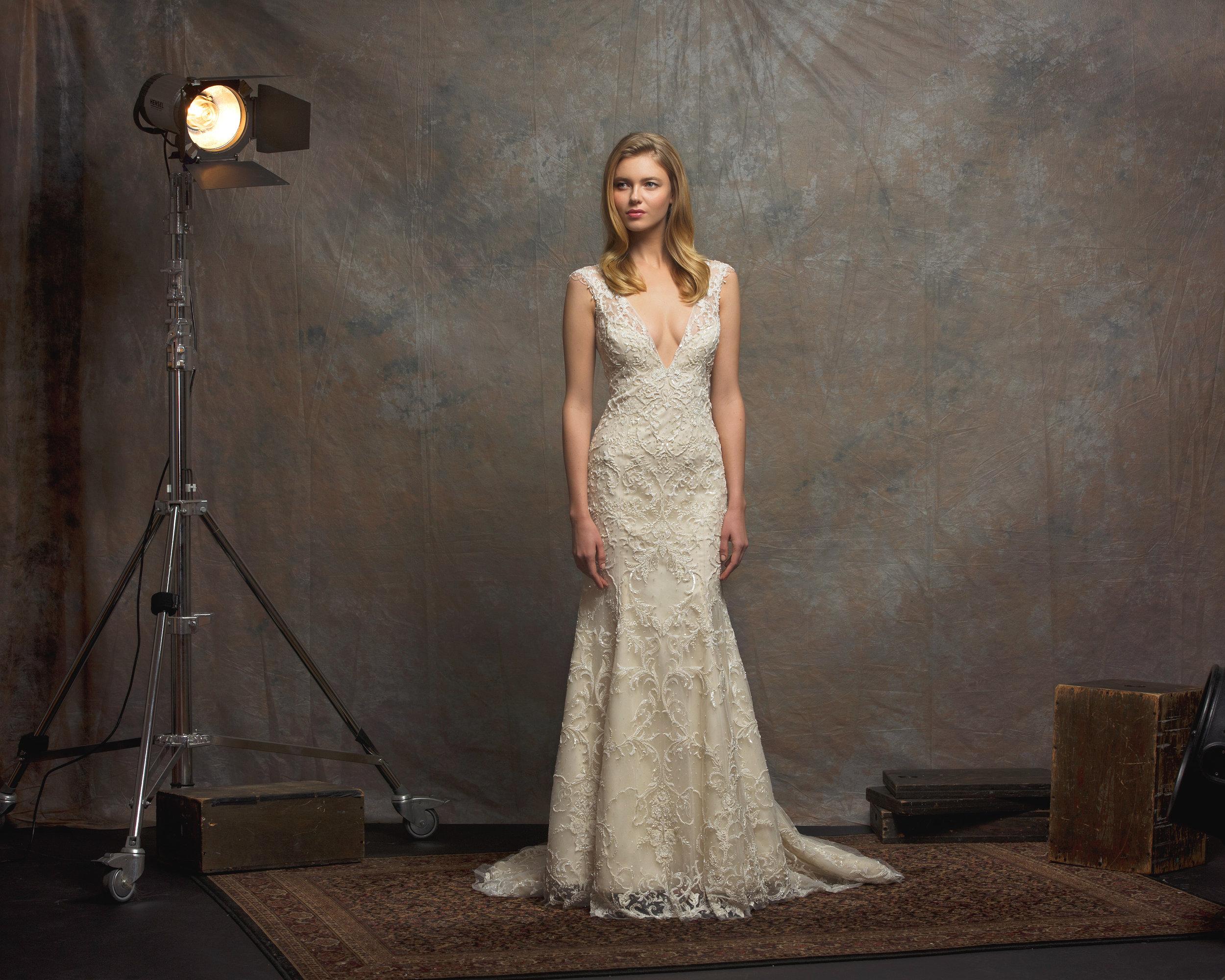 Enaura Gown ES752 TAYLOR - FRONT.jpg