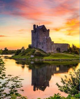 dunguaire castle.JPG