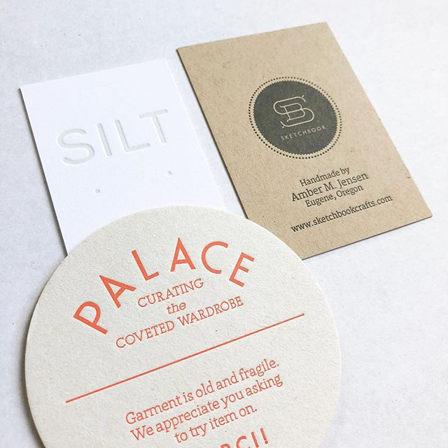 Hey, did you know we print tags/jewelry cards? The details really do make a difference ✨