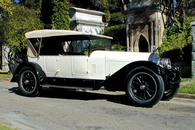 19Locomobile.jpg
