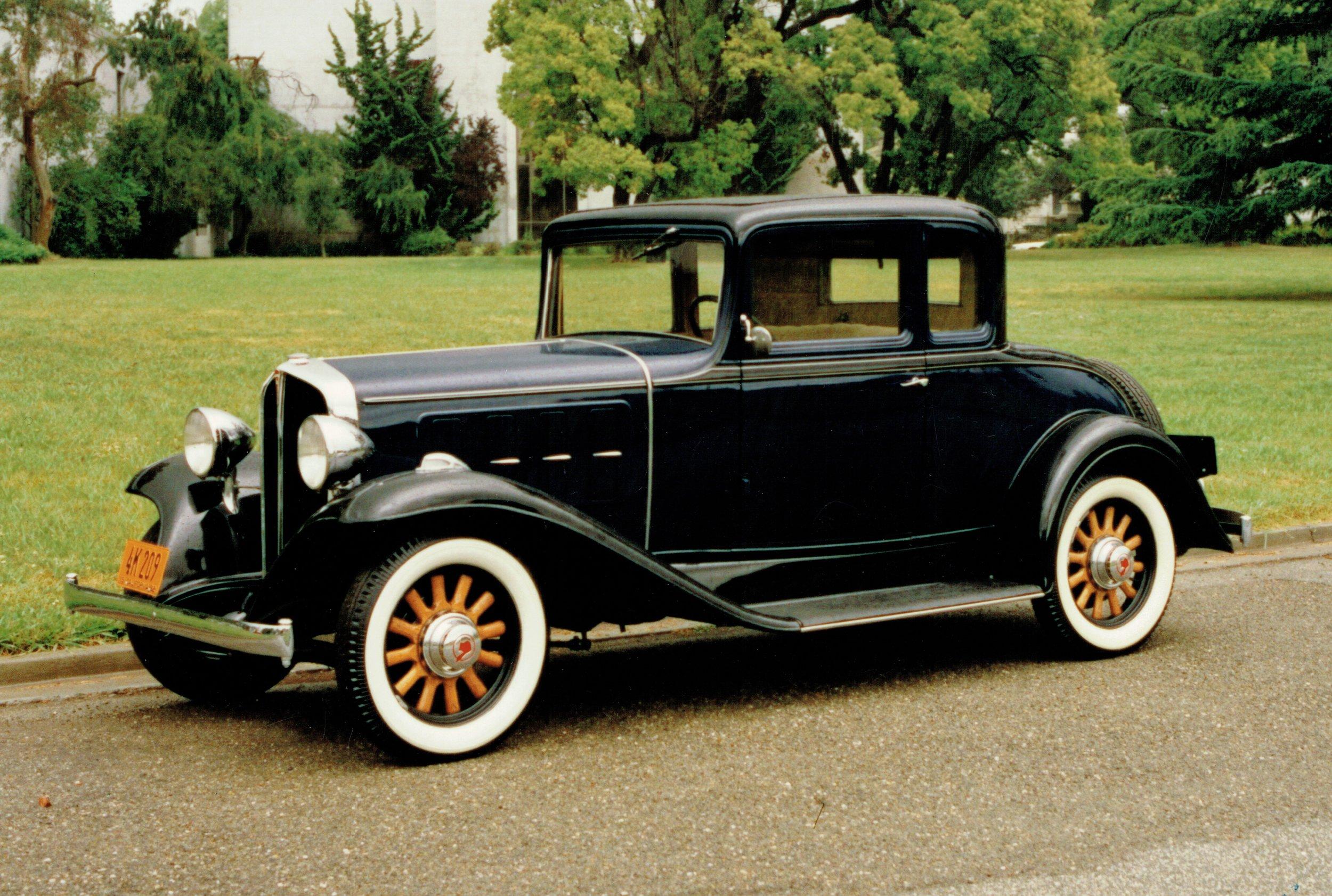 1932 Pontiac 402 Sport Coupe