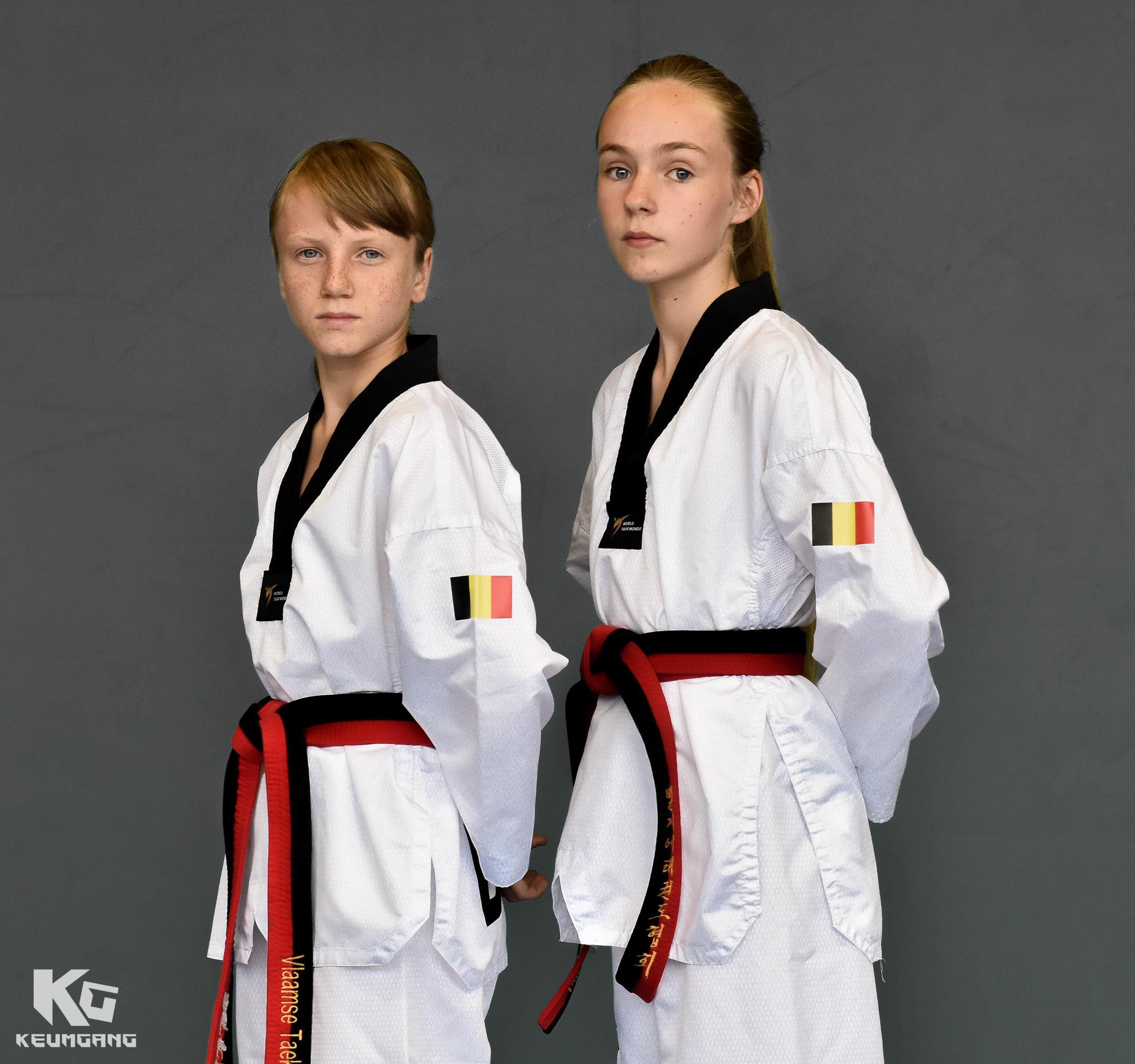 Hanne (l) & Tasha (r) naar WK taekwondo_2.jpg