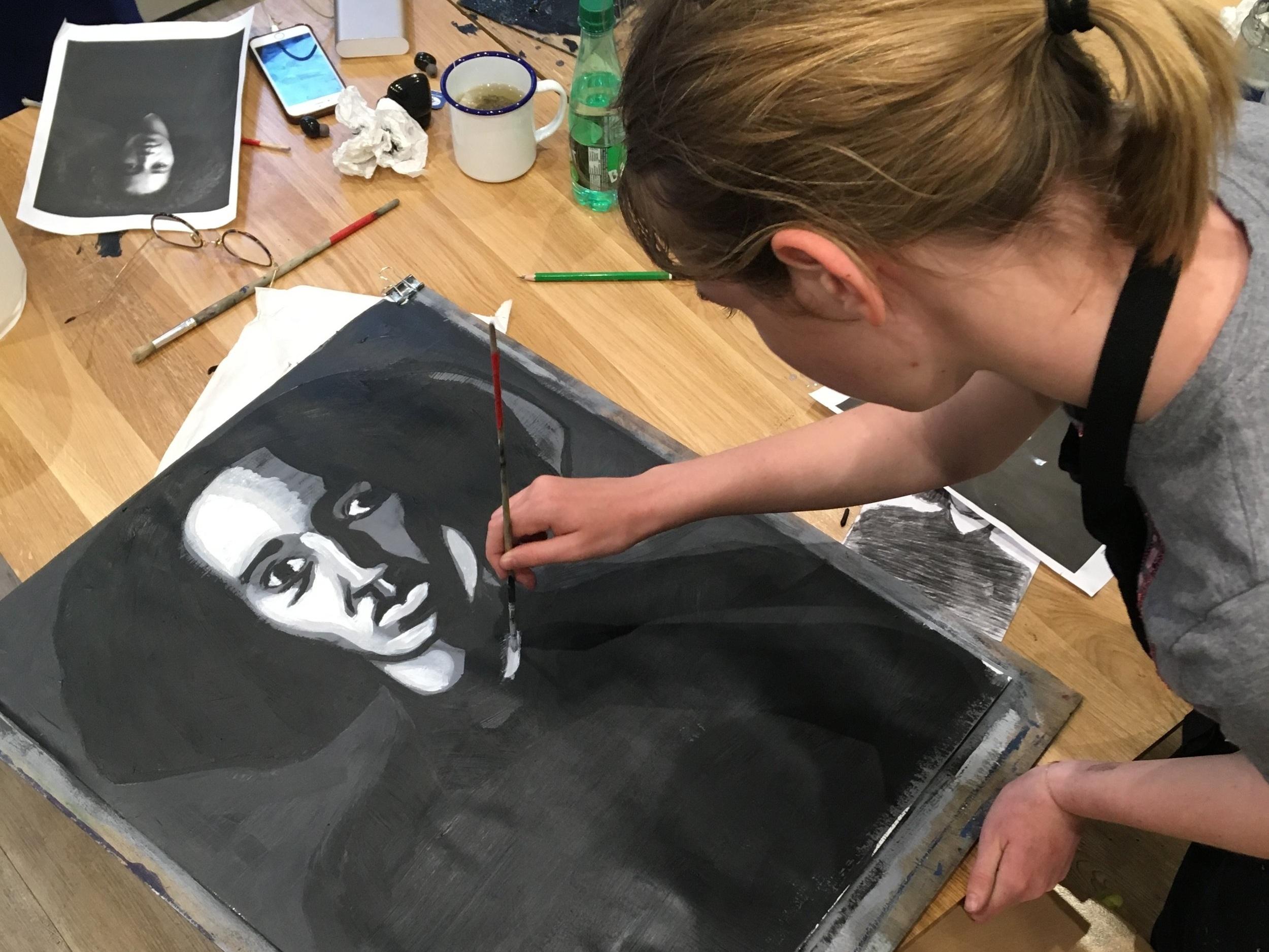 Portrait - L'étude et la réalisation du portrait, des proportions au modelé du visage, en dessin comme en peinture