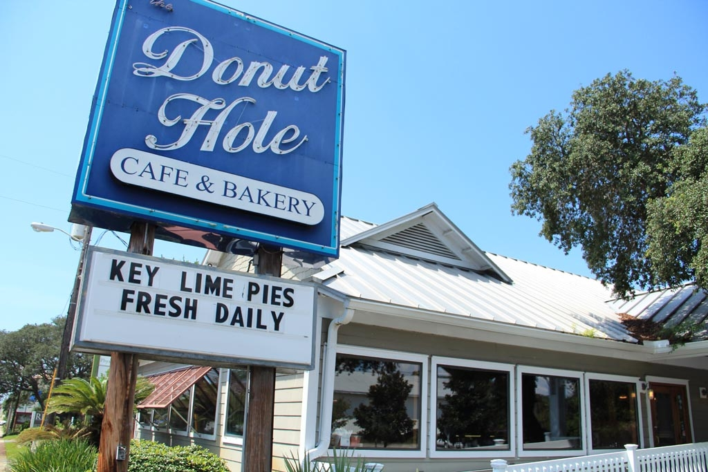 Donut Hole Cafe & Bakery