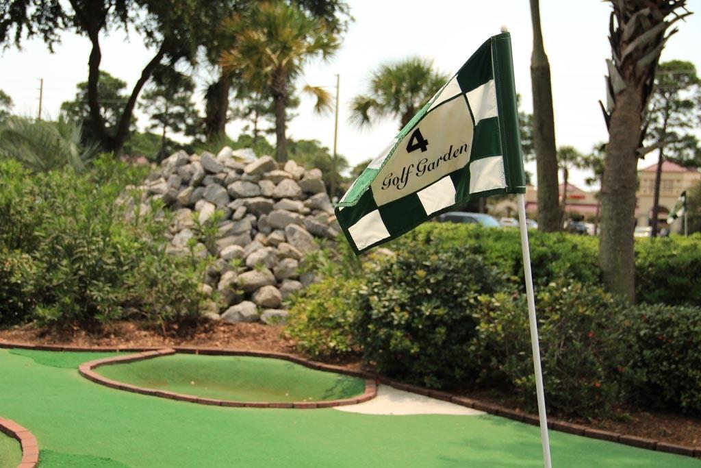 Golfing In Destin