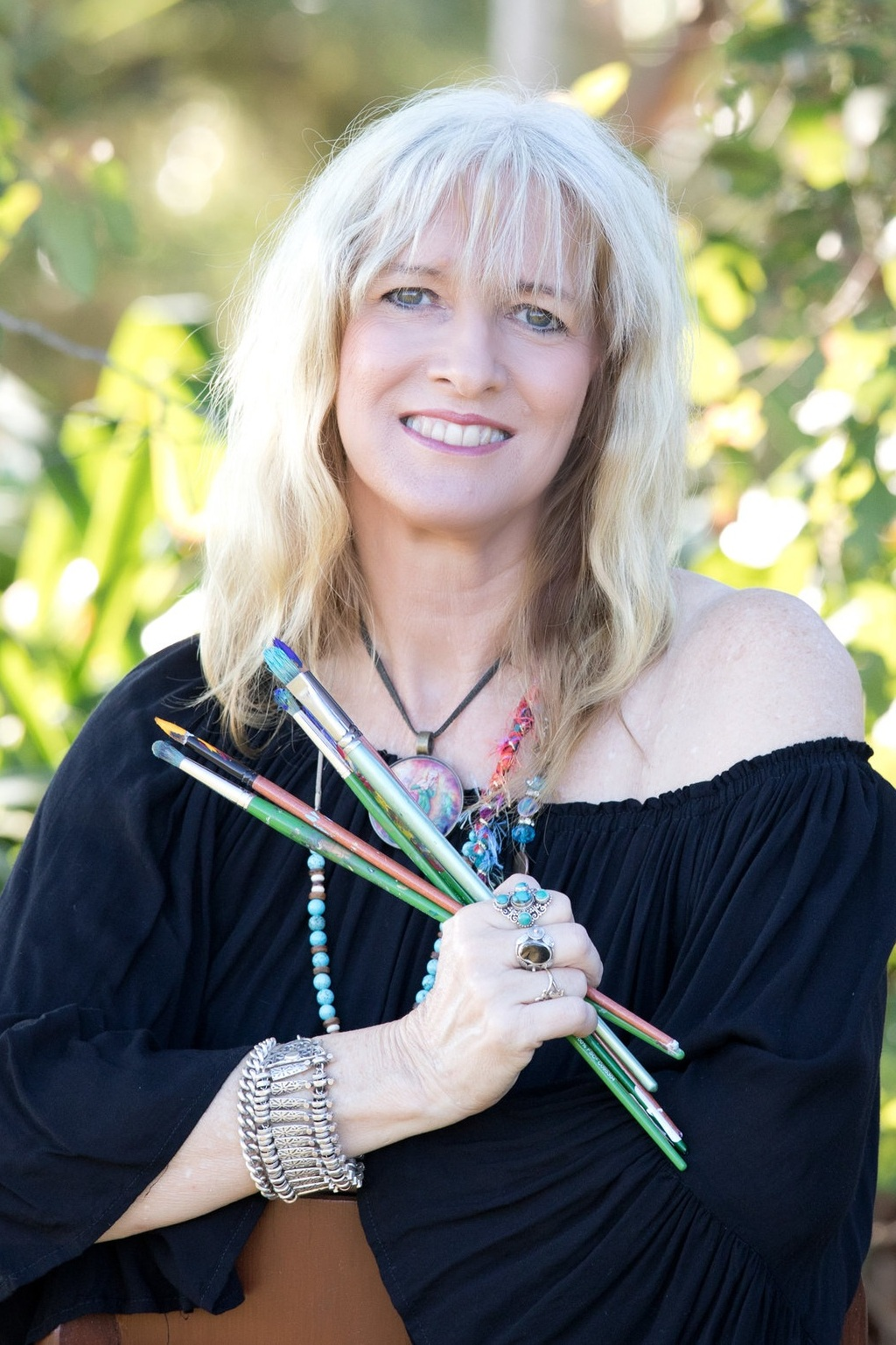- Artist - Healer - Teacher Jane uses art to heal. Not just herself but others. Her love and intention radiates through each piece. Her passion is in knowing that each piece of art that she creates is destined to heal its new owner.