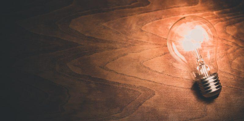 light-bulb-1246043_1920-798x398.jpg