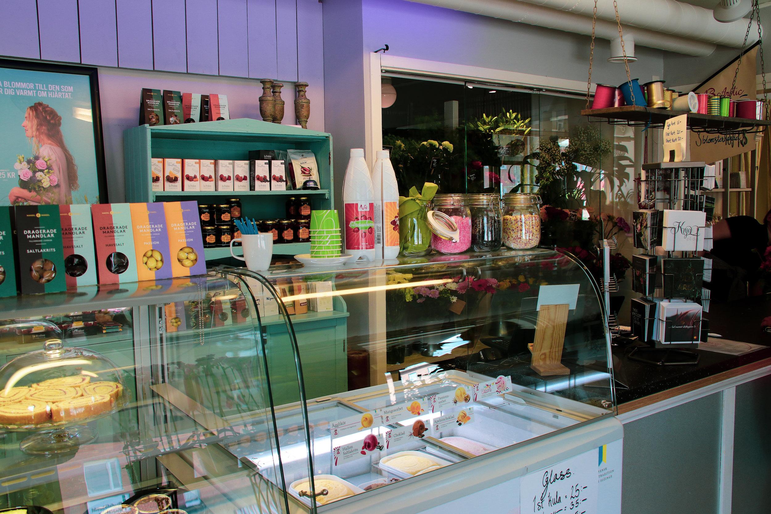 Arctic Garden Café Flower Shop Övertorneå