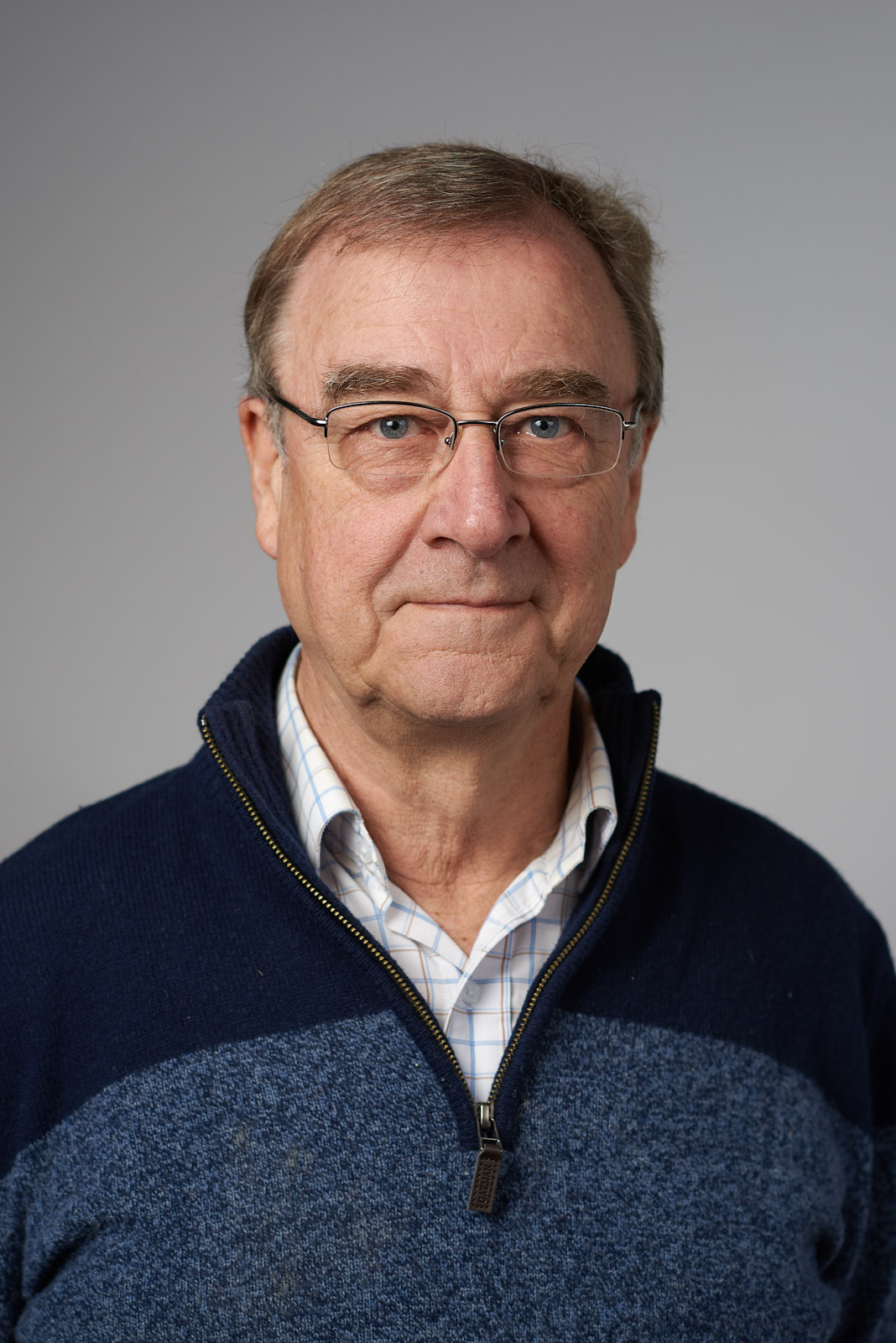 David: Semi-retired Mineral Exploration Geologist, Committee Member Warburton Valley Community Economic Development Association (CEDA), U3A Tutor, Chief Geologist - AngloGold Australia, Chief Geol- ogist - Acacia Resources Ltd, Regional Exploration Manager - Eastern Australia - Billiton Australia.