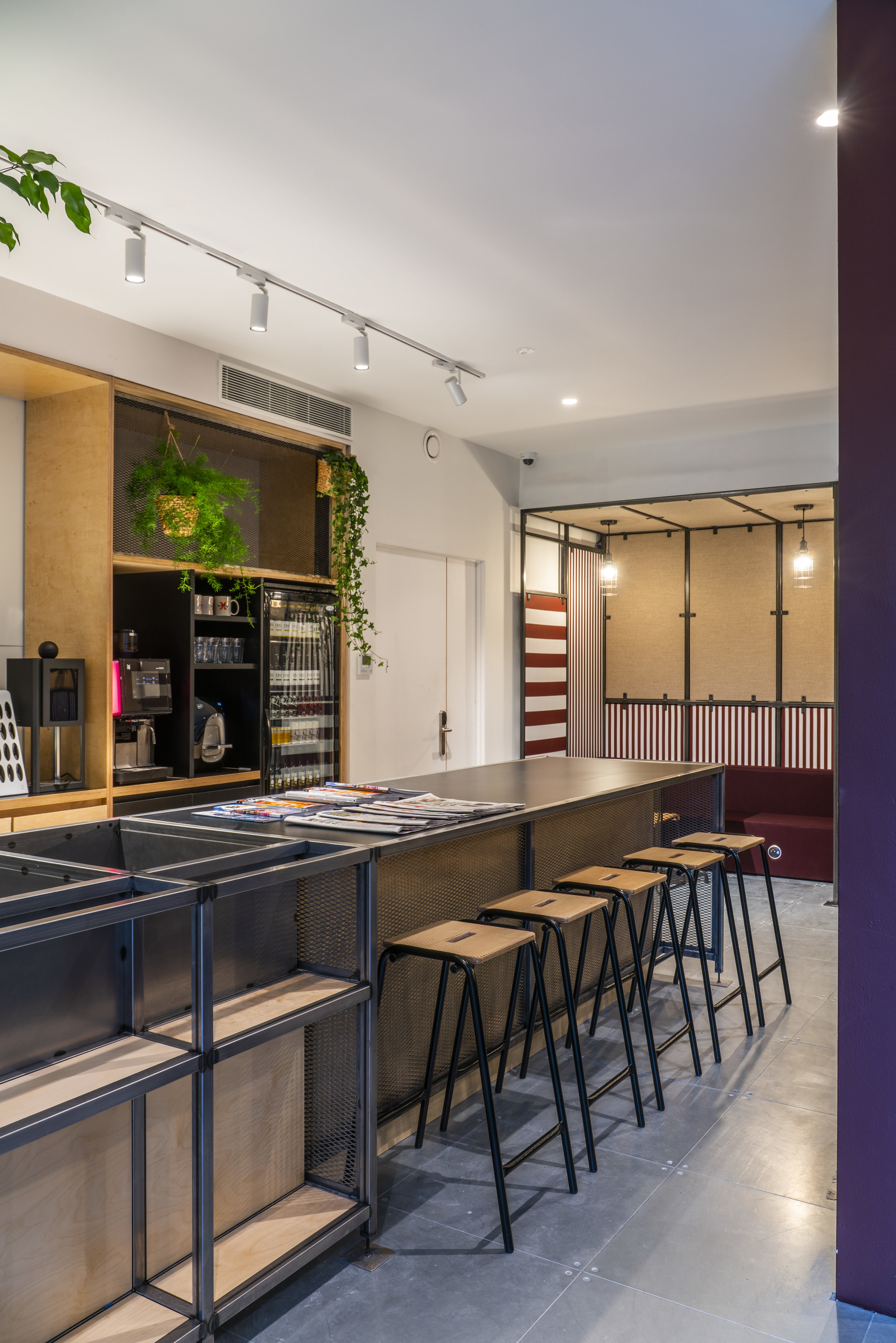 x+why Whitechapel co-working space and kitchen.jpg