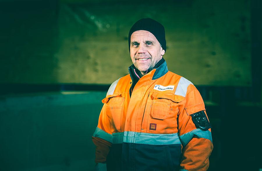 Logistikas Sanomissa tutustutaan muun muassa logistiikan asiantuntijoihin. Kuvassa Esa Mäkipää.