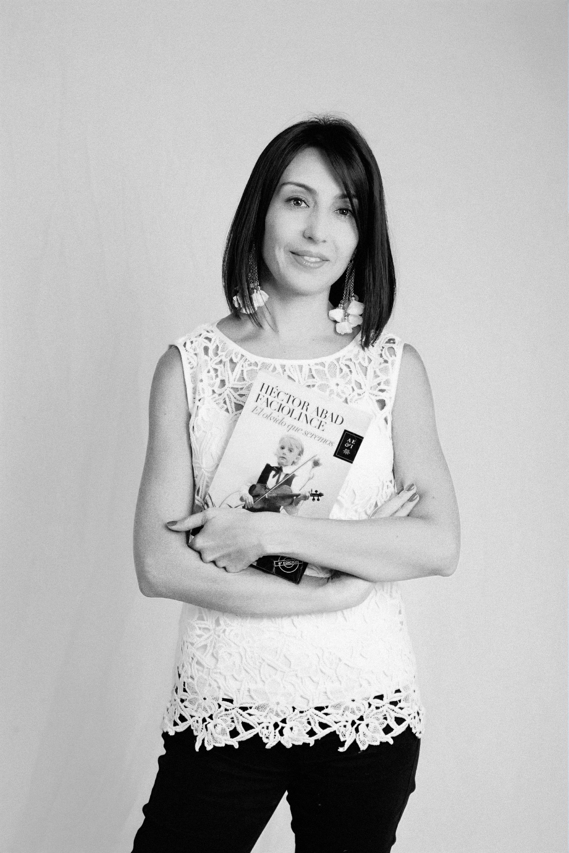 Sonia Catalina Urrea Franco - Directora AcadémicaPolitóloga, especialista en Educación de la Universidad Javeriana y Máster en Pedagogía de la Universidad de los Andes. Fue coordinadora del área de Ciencias Sociales del colegio Marymount de Bogotá y profesora de Historia de varios colegios de Bogotá. Ha trabajado como asistente de investigación del CIFE (Centro de investigación y formación en Educación) en la Universidad de los Andes y ha realizado capacitaciones docentes en diversos colegios privados y públicos de Bogotá.Tiene más de 20 años de experiencia trabajando en el ámbito educativo.