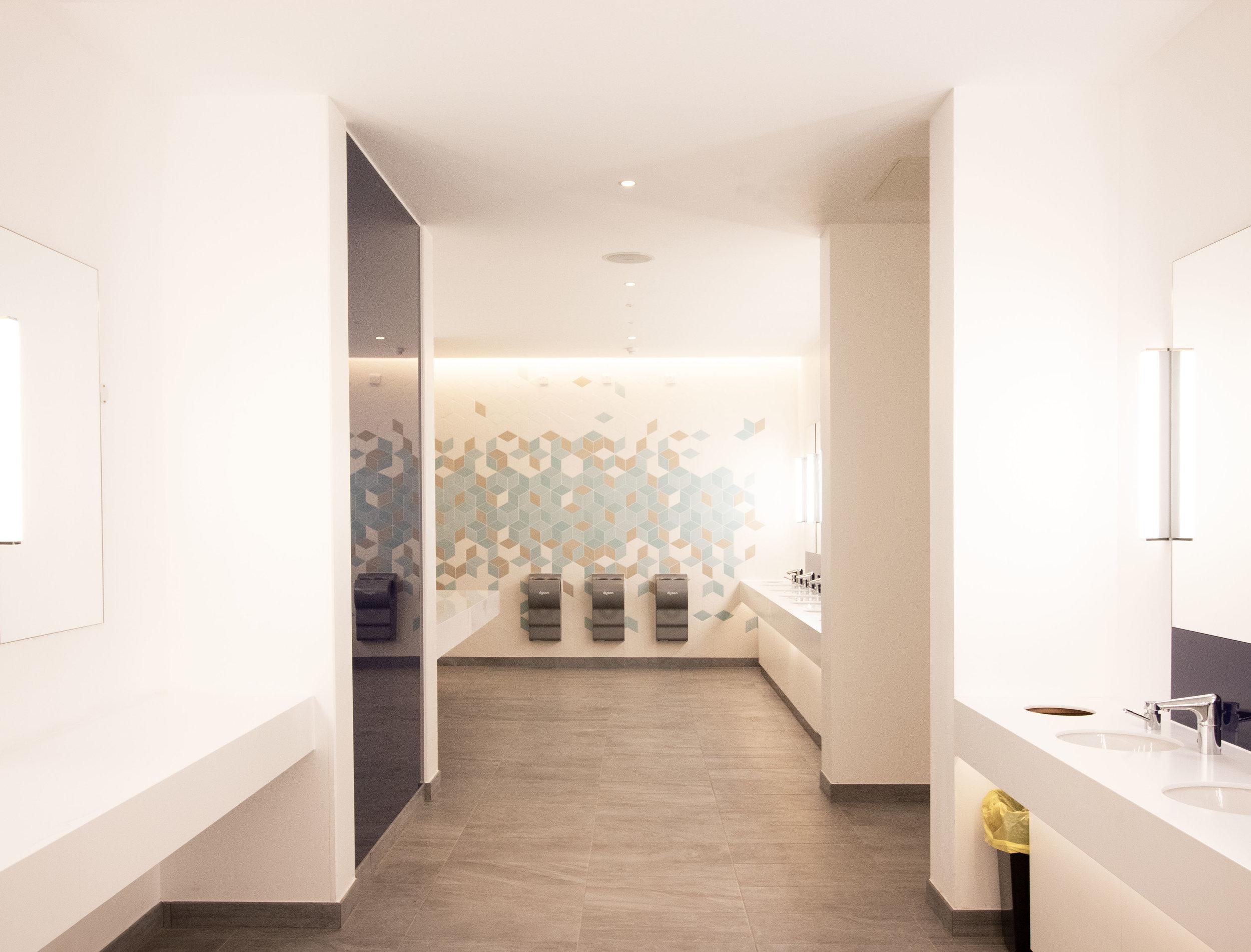 O2 ICON RETAIL - LONDON- DESIGN & BUILD -