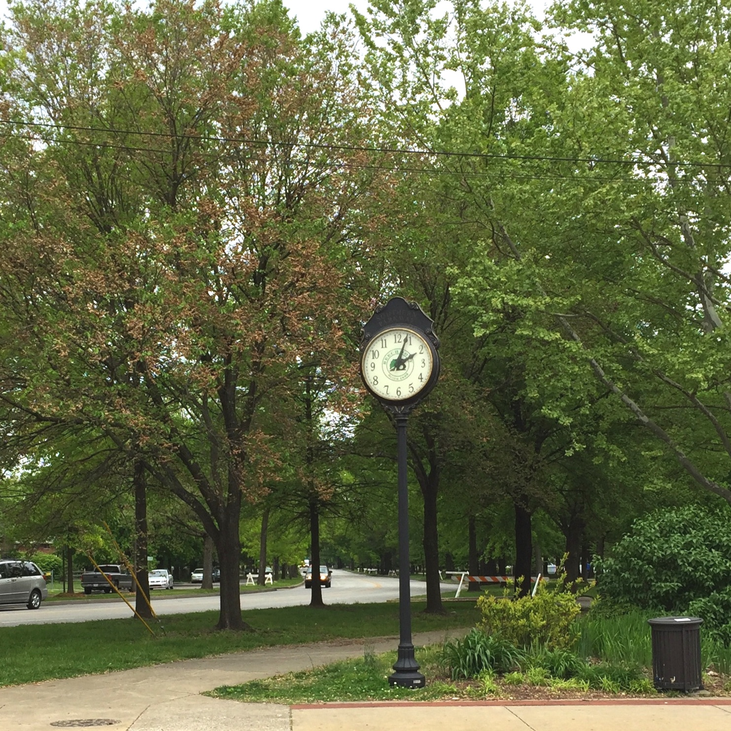 The clock at Woodlawn Avenue and Southern Parkway